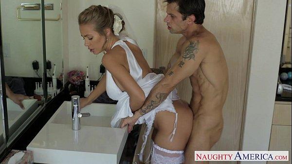 Naughty America - Casada trai o marido no dia do casamento